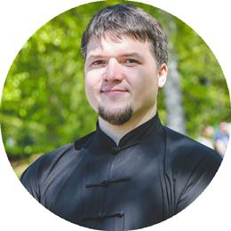 Александр Андреевич Бутаков, телесный терапевт, эксперт по здоровью в центре 8 перемен