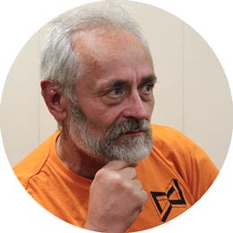 Александр Николаевич Мерзляков, массажист, специалист по флоатингу, инструктор по оздоровительной гимнастике в центре умного здоровья 8 перемен.