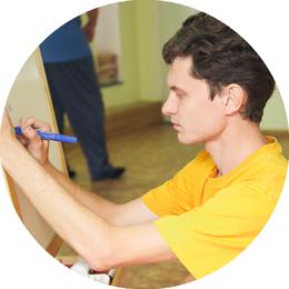 Антон Валерьевич Шабаш, массажист, специалист по флоатингу, инструктор по оздоровительной гимнастике в центре 8 перемен.